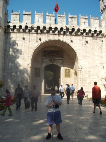 Tony about to enter Topkapi Palace, Istanbul