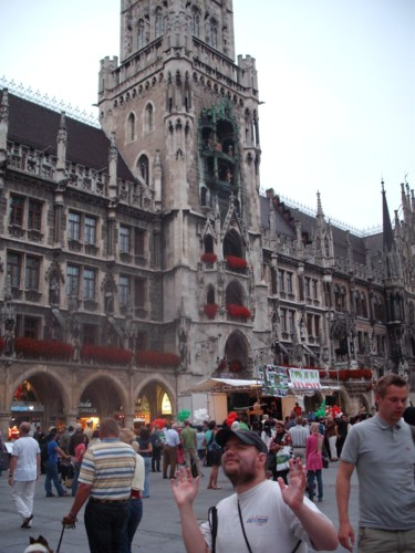 In front of the Glockenspiel at the tower of Neues Rathaus, Marienne Plaza, Munich