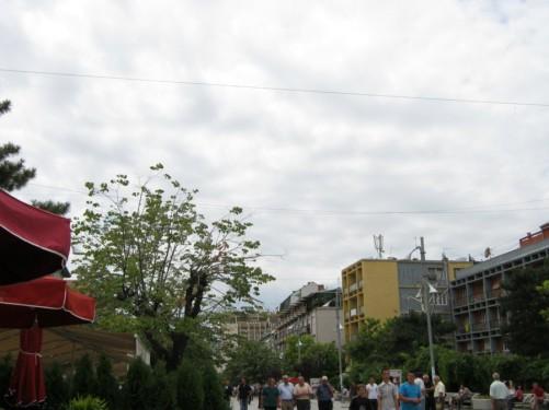 View along Rruga Nena Tereze.