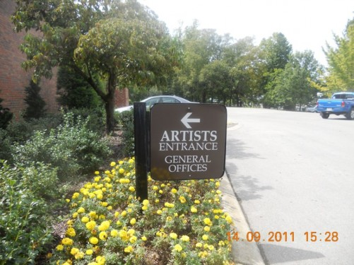 Artists entrance into Grand Ole Opry House, takes artists to the mail room, dressing rooms and backstage.