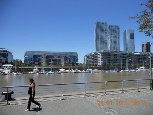 Waterfront promenade, the location contains many classy restaurants and is popular with locals.