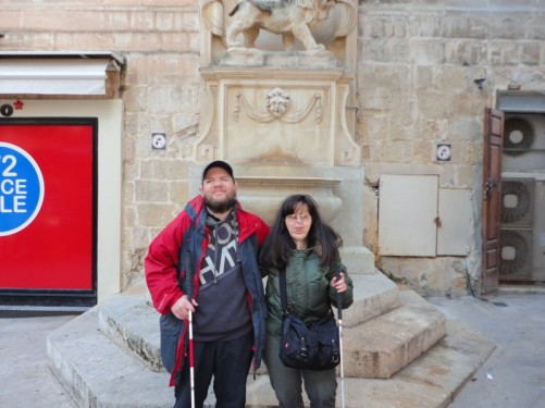 Tony and Tatiana in front of the lion fountain.