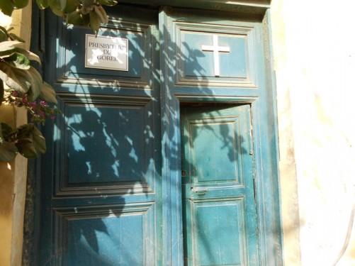 Doorway to a church: 'Presbytere de Gorée'.