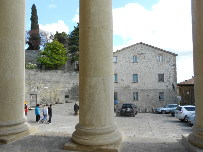 Looking For Stone Columns : Tony giles blind independent traveller italy april
