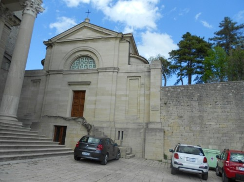 Chiesa di San Pietro (Church of Saint Peter) - a small 16th century church beside the main basilica.