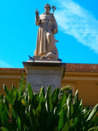 A statue of Saint Antonino in Piazza Sant'Antonino.