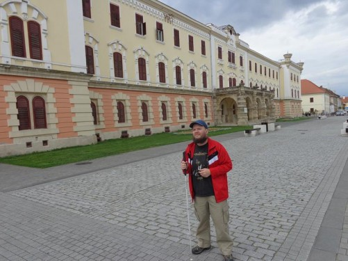 Outside the National Museum of the Union. This history and archaeology museum was inaugurated in 1888. It is housed in the Babilon Building built between 1851 and 1853 by the military as officers' dwellings.