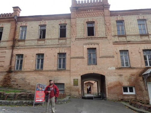 Tony outside a large 19th century building inside Sheki fortress. The fortress dates back to the 15th century. It contains the Palace of Shaki Khans as well as some small museums.