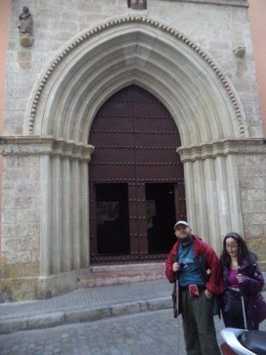 Tony and Tatiana outside the entrance to Iglesia San Isidoro.