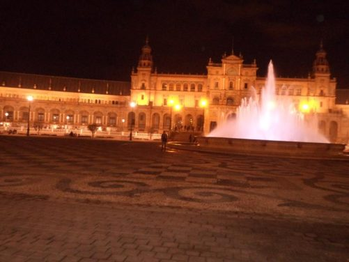 View across Plaza de España with the central Vicente Traver Fountain in front and the exhibition buildings beyond.