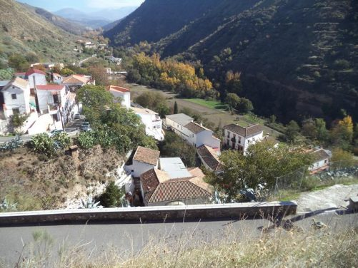 Another view of the valley east of Sacromonte. Steep rocky slope on the south (right) side. The Alhambra is located just a few hundred metres to the south of here.