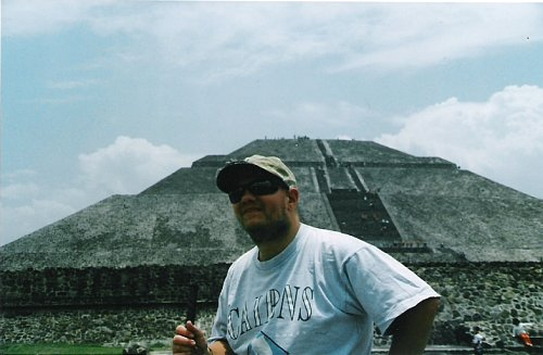 Tony in front of the Pyramid of the Sun, Mexico City