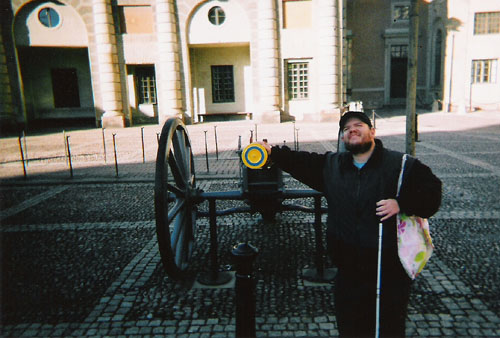 Tony in front of a canon, Royal Palace
