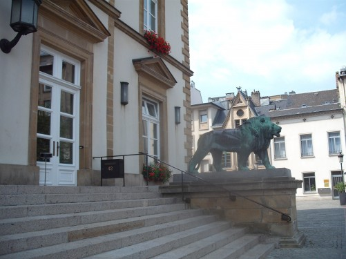 Bronze Lion outside Town Hall