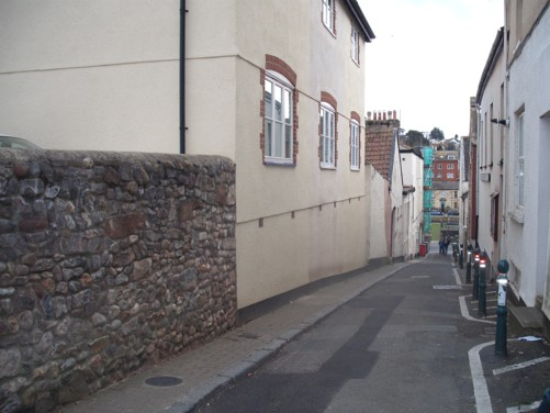 Steep side street, Dawlish.