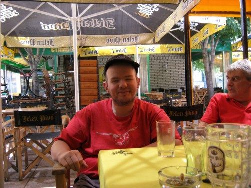 Tony with Serba, the Garden Hostel manager, at a café in Niš city centre.