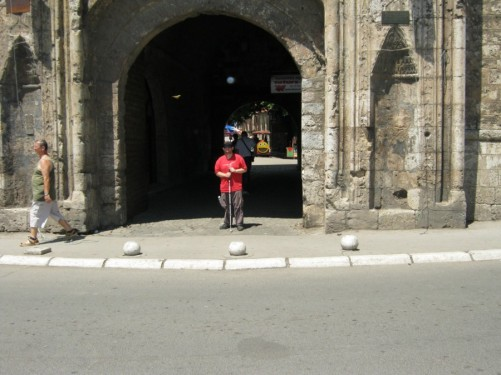 Tony at the entrance gate to Niš fortress.