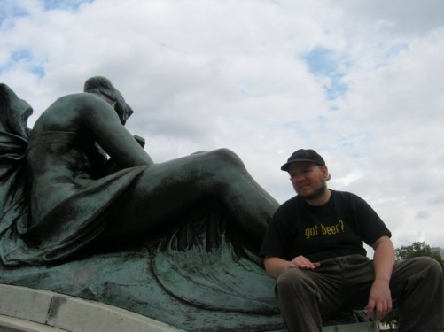 Tony reclining on the Victoria Memorial.