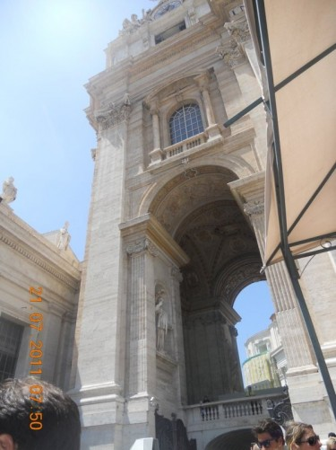 Arch and pilaster in St. Peter's Square.