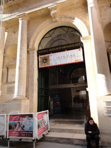 Entrance of the National Museum of Archaeology, located on the left side of Republic Street when walking from the City Gate. This building was formerly the Auberge de Provence.