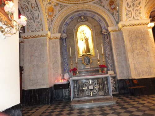 A side altar. St Mary of Jesus church.