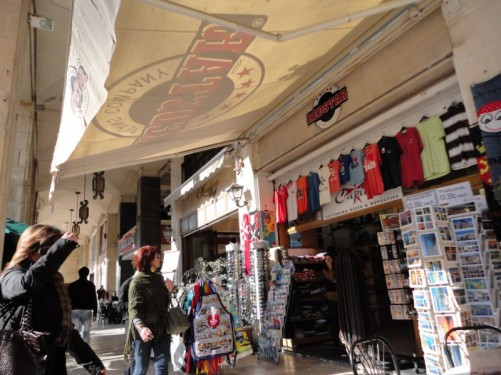 A souvenir shop on Republic Street.