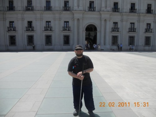 Tony outside the Moneda Palace (Palacio de la Moleda).