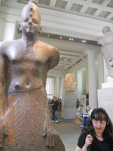Tatiana by another Egyptian statue.