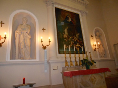 A side altar dedicated to Mary Magdalene.
