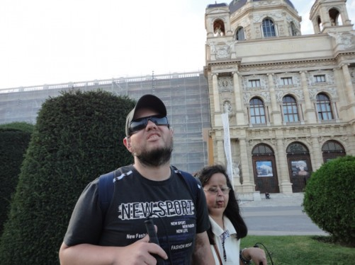 Tatiana and Tony again. Behind another view of the impressive façade of the Naturhistorisches Museum.