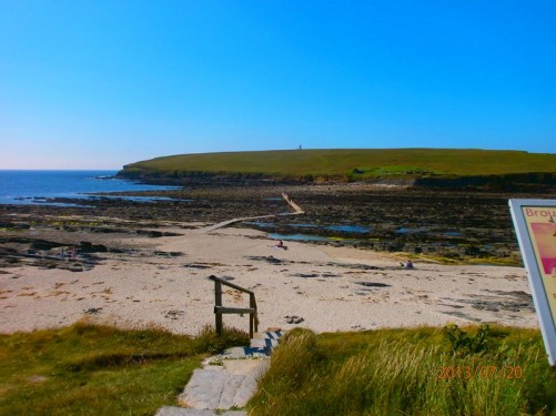 Another shot of the Brough of Birsay from the mainland.