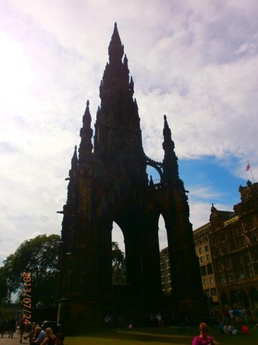 Scott Monument. This Victorian Gothic monument is dedicated to Scottish author Sir Walter Scott (1771-1832). The monument tower is 200 feet (61 metres) high. It was opened in 1844.