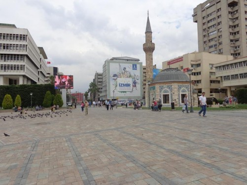 Looking north from Konak Square along pedestrianised Cumhuriyet Bulvari (Republic Boulevard).