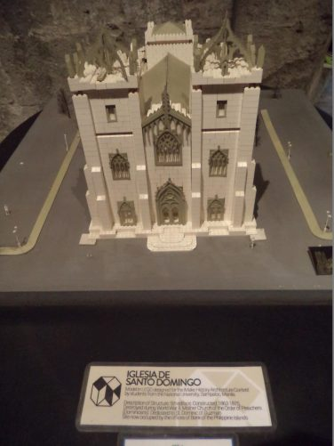 Another lost church built in Lego, this is Igesia de Santo Domingo.
