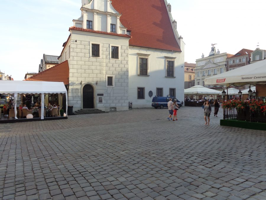Looking into Old Market Square with the side of the Weighing House directly in front.
